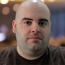 Эй Джей ЛаСарацина, тренер службы поддержки клиентов на сайте TES Online